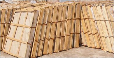 厂家直销河间白石棉板,具有绝热、保温、隔音等功效。
